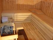 Erholsam und gesund - Sauna und Ruheraum in unserer Blockhütte.